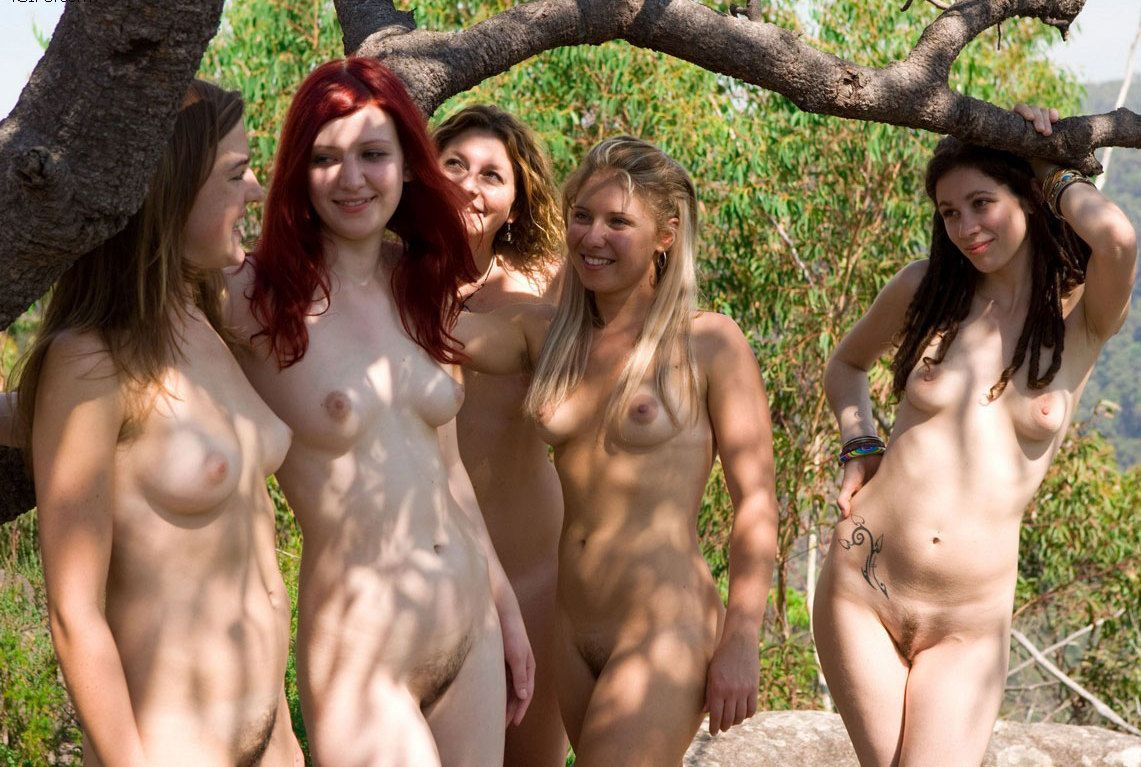 naked group girl DampLips