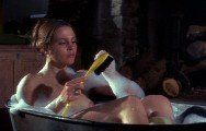 Leigh Taylor-Young  nackt