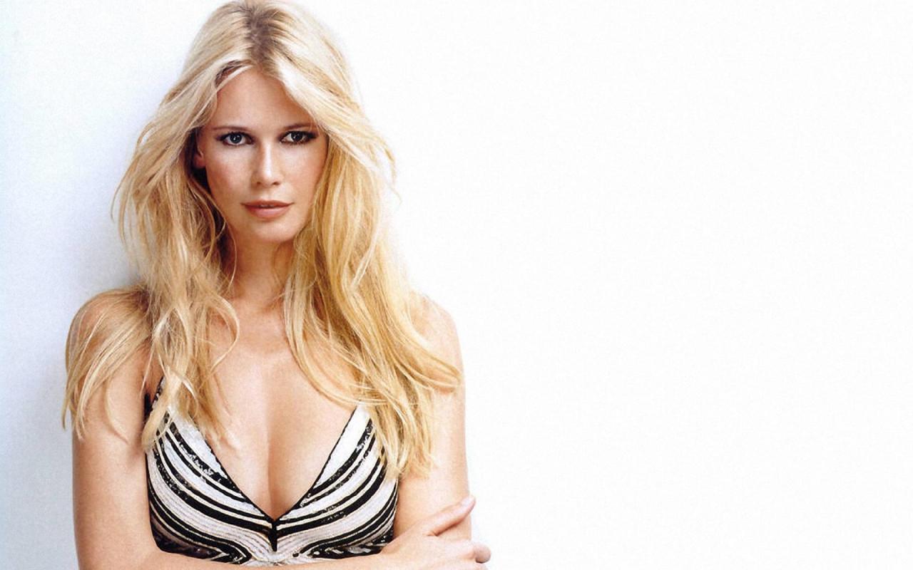 Claudia Schiffer Sex Tape free pictures celeb boob claudia schiffer - nude photos