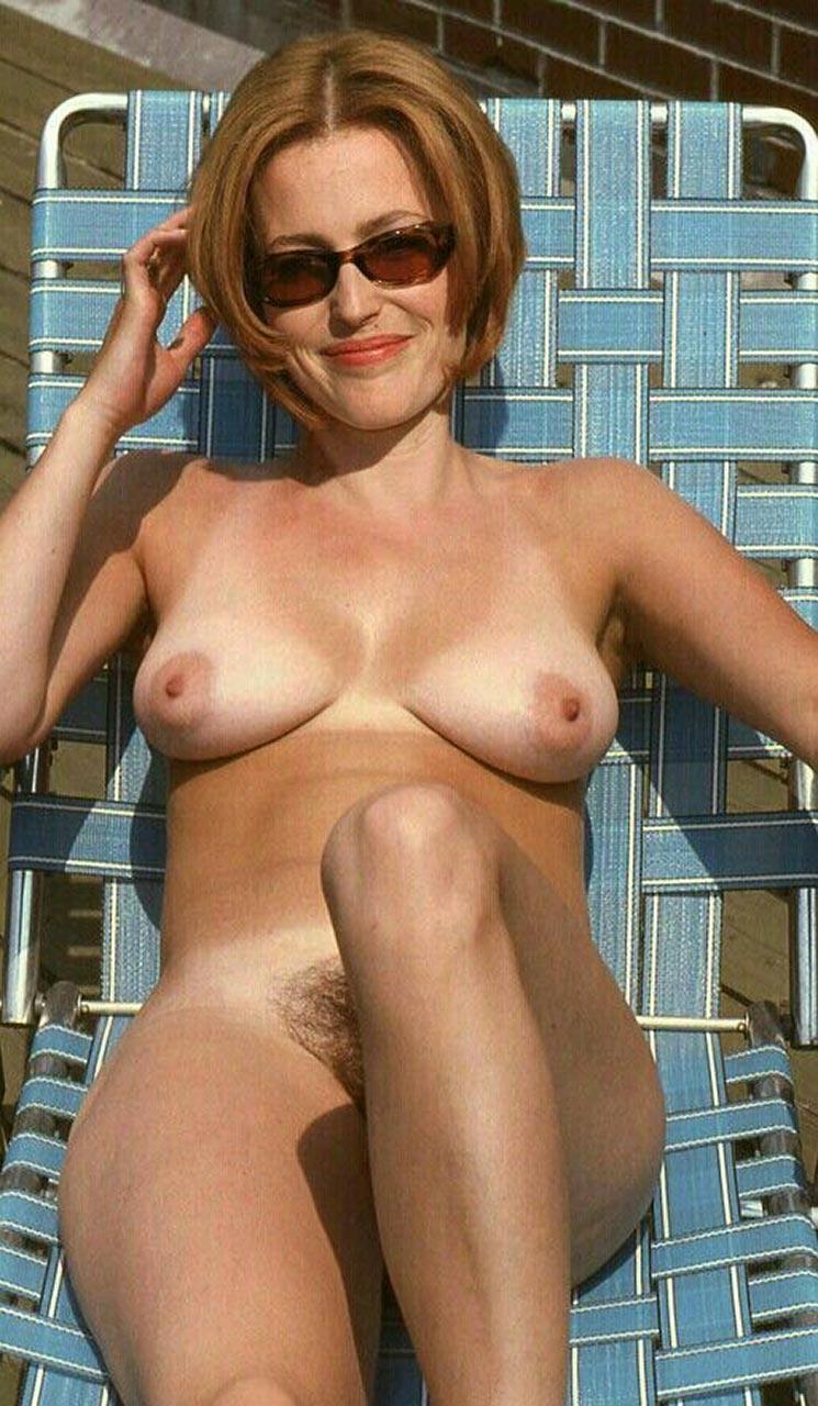 Sunny leone nude fucking and kissing