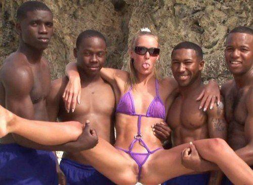 Erotic women in quicksand