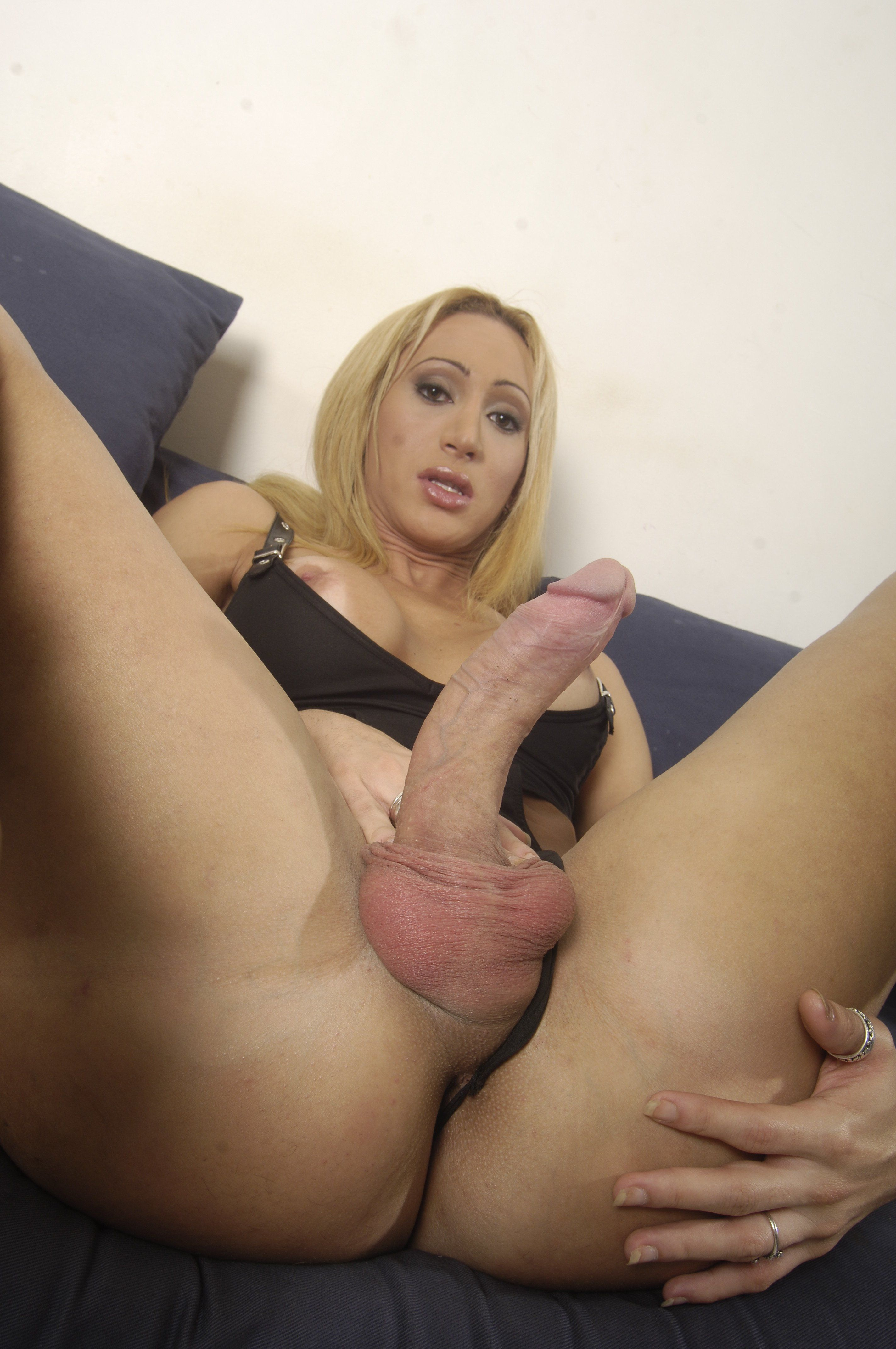 2 Dicks In 1 Vagina shemale putting two dicks in a girls asshole naked gallery