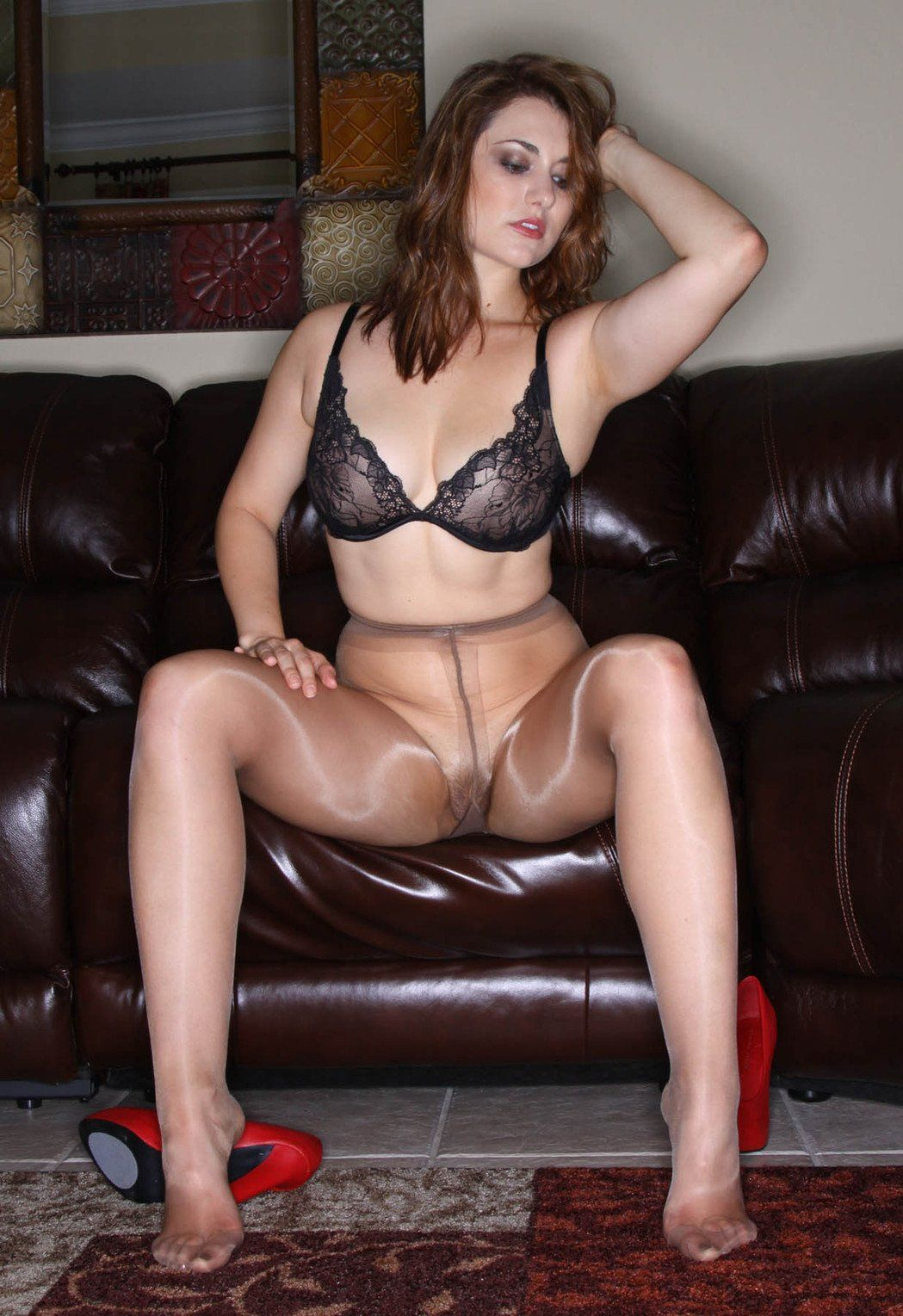 Buster reccomend Milf pantyhose fetish pics