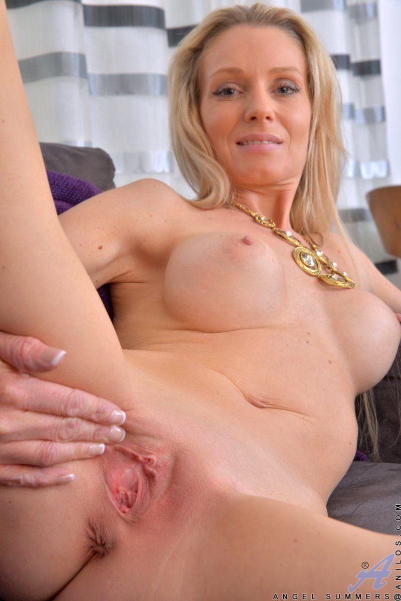 Blond pussy pics