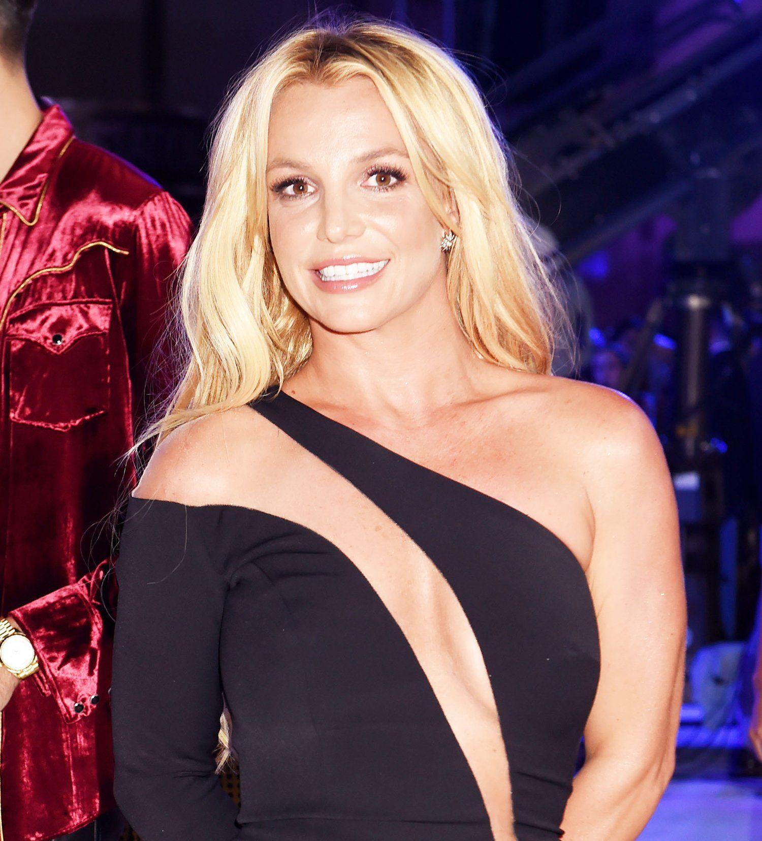 Ten years ago, Britney Spears shaved her head - Metro US