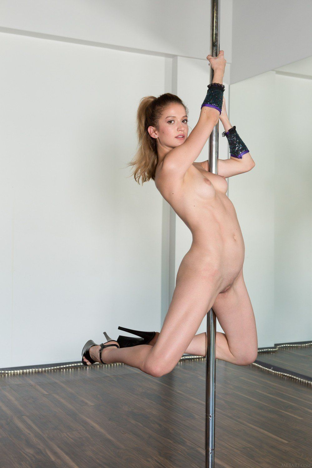 Sex naked pole dancing right