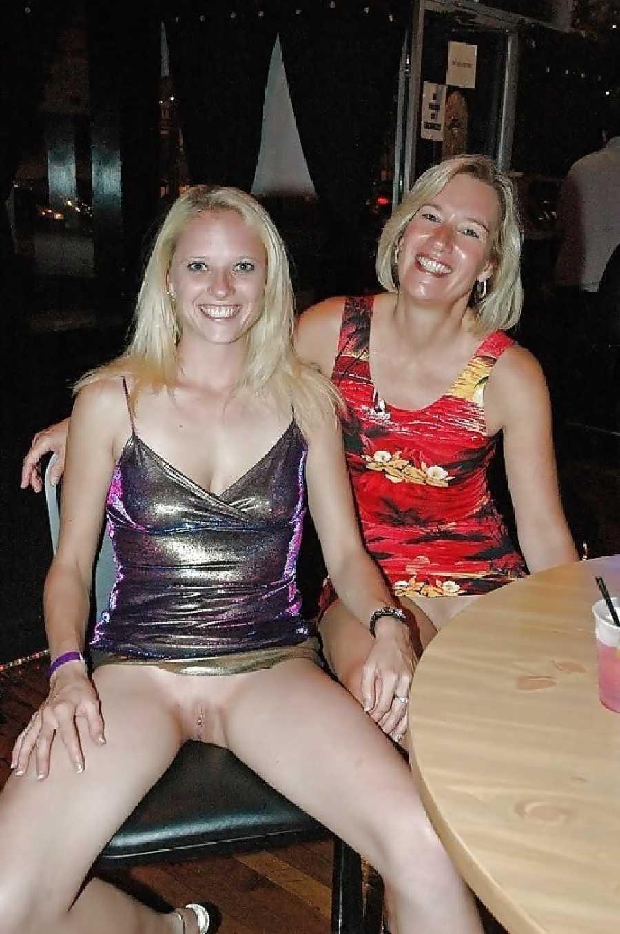 Naked pics mom Moms XXX,