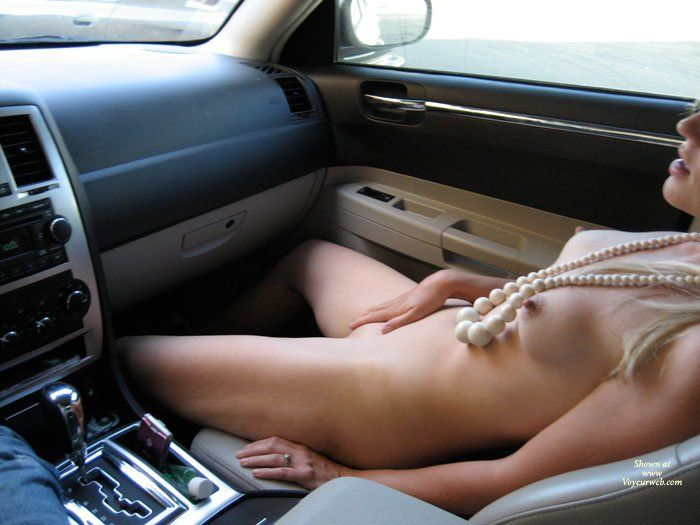 Pics of cars with nude girls masterbating